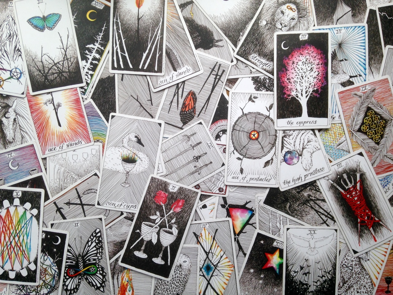 articles, writers team, and tarot of the week image