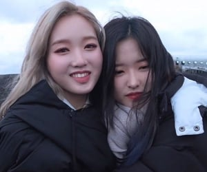 loona, gowon, and park chaewon image
