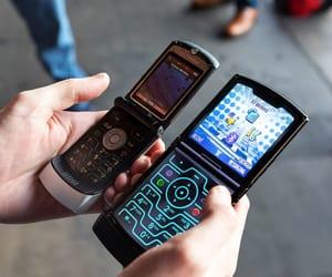 Motorola, verizon, and motorola razr image