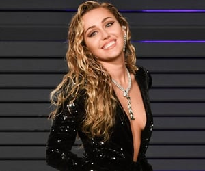 beauty, wallpapers, and mileycyrus image