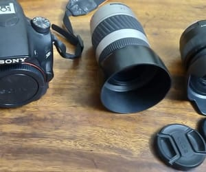 camera, equipment, and lens image
