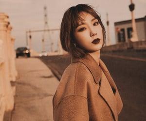 girls generation, taeyeon, and kim hyoyeon image
