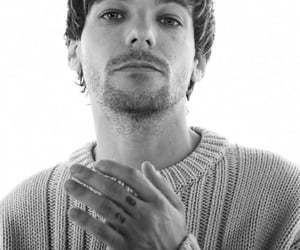 rolling stone and louis tomlinson image