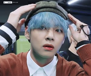 Taehyung unfiltered gif icon