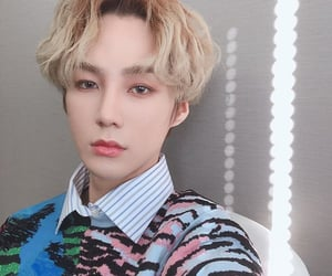 blond hair, vav, and ayno image