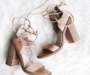 basic, heels, and beige image