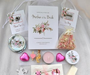 etsy, real flower confetti, and mum wedding present image