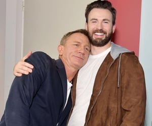 chris evans, daniel craig, and knives out image