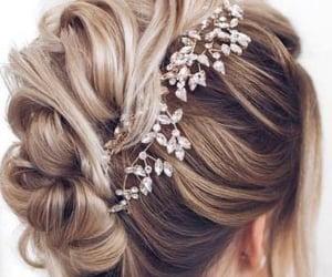 beautiful, cheveux, and chignon image
