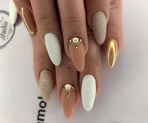 manicure image