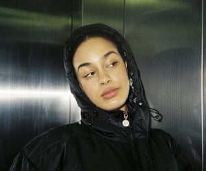 girl and jorja smith image