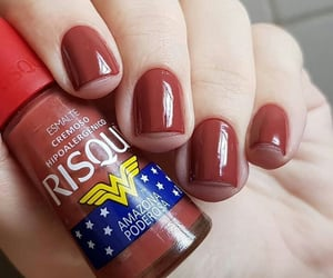 nails, red, and mulher maravilha image
