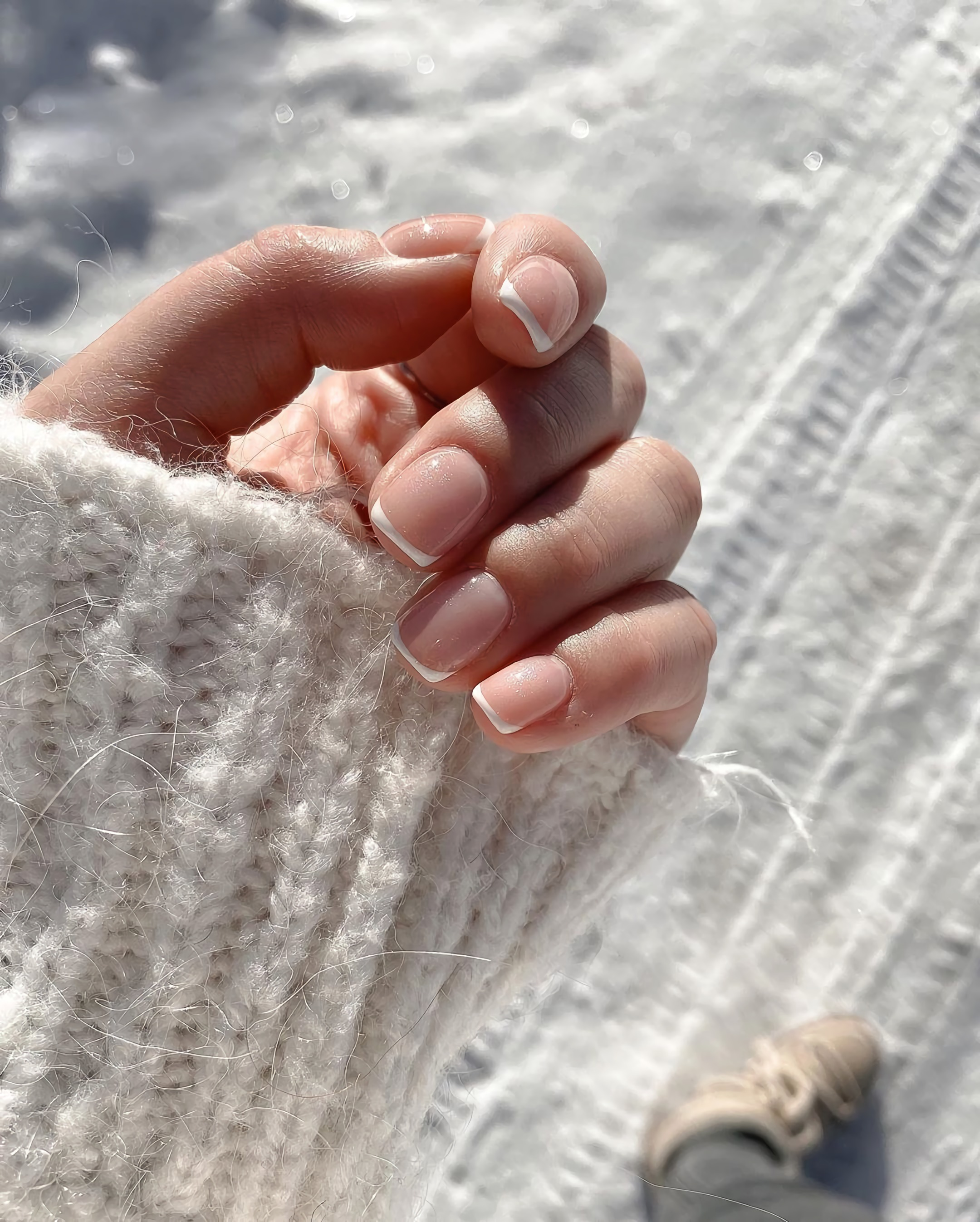aesthetic, nails, and snow image