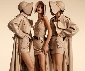 belleza, Burberry, and moda image