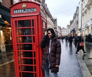 happy, Londres, and travelling image