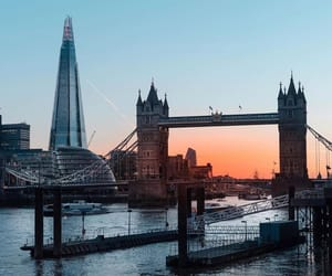 london, tower bridge, and Londres image