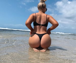 beach ass girl happy and hello!?:)) image