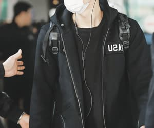 airport, blonde, and chanyeol image