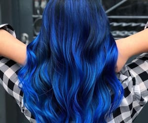 wavy hair and blue hair color image