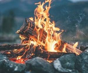 fire, invierno, and fuego image