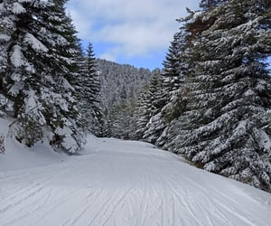 mountain, Skiing, and snow image