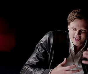 gif and bill skarsgård image