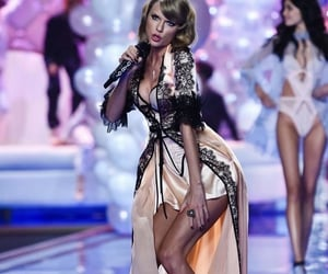 Taylor Swift and vs image
