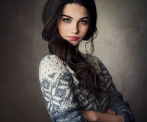 girl and blue eyes image