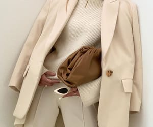 blogger, bottegaveneta bag, and bottega veneta pouch image