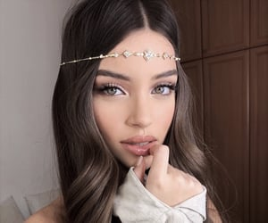 accessories, hair, and makeup image