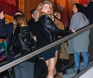 amber heard, crowd, and Hot image