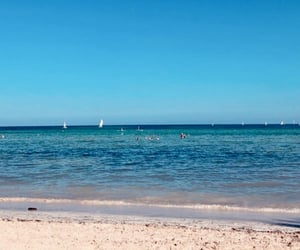 plage, sea, and voyage image