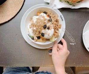 breakfast, seoul, and jogurt image