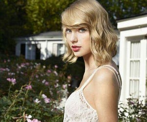 beuty, girl, and Taylor Swift image