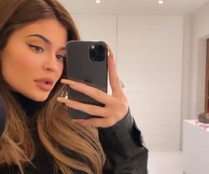 kylie jenner, site model, and girl icons image