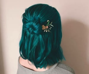 green hair, hairdye, and hairstyle image