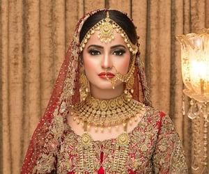 beautiful, jewellery, and makeup image