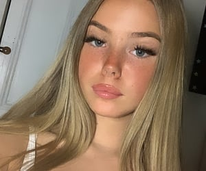 blonde, bad bitch, and lashes image