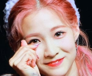 gg, preview, and cherry bullet image