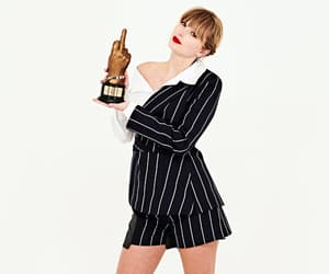 Taylor Swift and nme awards portraits image