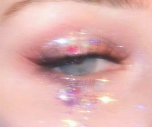 dreamy, eye, and glitter image