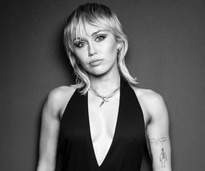 beautiful, miley, and black image