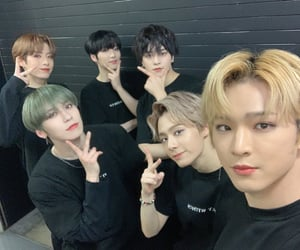baby, ravn, and hwanwoong image