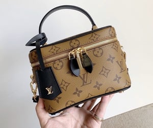 bags, luxury, and stylé image