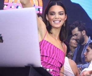 city, fashion, and Kendall image