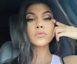 celebrities, makeup, and kourtney kardashian image