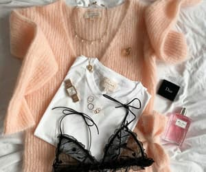 accesories, dior, and t-shirt image
