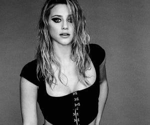 mujer, woman, and lili reinhart image