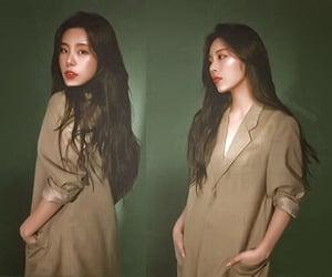 girl, green, and kpop image
