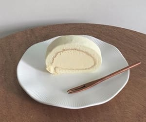 cake, cream, and korean image